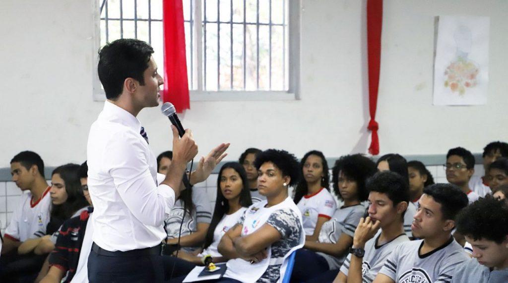 Duarte Jr participa do 27º Seminário Sobre a Educação de Sobral